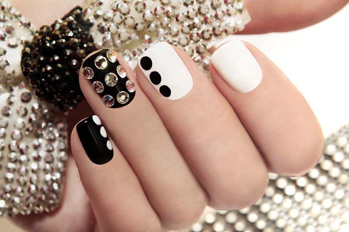 Festive-Nail-Art