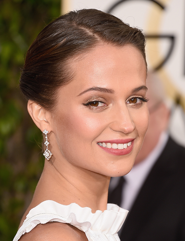BEVERLY HILLS, CA - JANUARY 10: Actress Alicia Vikander attends the 73rd Annual Golden Globe Awards held at the Beverly Hilton Hotel on January 10, 2016 in Beverly Hills, California. (Photo by Jason Merritt/Getty Images)